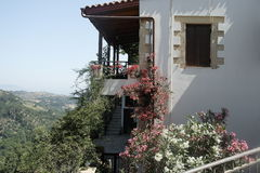 Maison de village dans les montagnes Photo stock