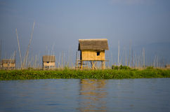 Maison de village sur le lac Inle Image libre de droits