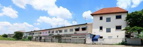 Maison de ville vieille et région terrestre à la communauté de village de ville de l'Asie ou à l'arrière-plan diagonal de photo d photo stock