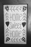 Maison douce à la maison en noir et blanc Images libres de droits
