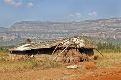 Maison douce à la maison sous des montagnes de Sahyadhri Photos stock