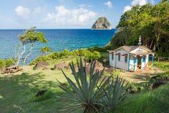Maison du Bagnard em Le Diamant em Martinica e Diamond Rock mim imagens de stock royalty free