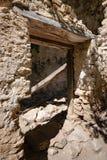 Maison effondrée au milieu des montagnes françaises Image stock