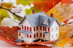 Maison en automne Images stock