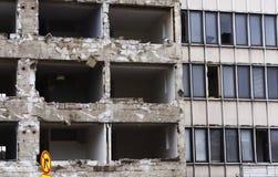 Maison en béton pour la démolition Photo stock