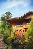 Maison en bois photo stock