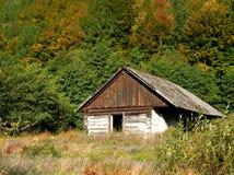 Maison en bois abandonnée photo stock