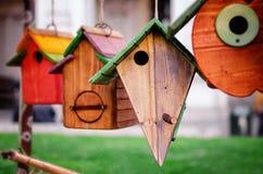 Maison en bois d'oiseau Photos stock