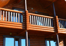 Maison en bois moderne Photographie stock libre de droits