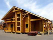 Maison en bois neuve Image stock