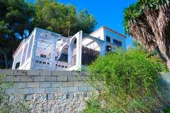Maison en Espagne avec les usines et le patio Image stock