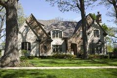 Maison et jardin américains. Photographie stock
