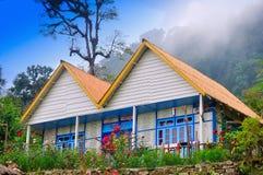 Maison et jardin, pierre, hublot, bambou, nuage Photographie stock libre de droits