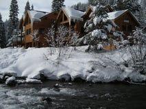 Maison exclusive d'hiver Images libres de droits