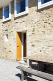 Maison, façade en pierre Photographie stock
