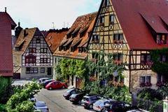 Maison Half-timber en ville images libres de droits