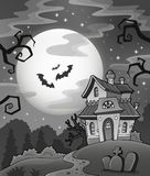 Maison hantée noire et blanche Photos stock