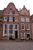 Maison hollandaise de canalside photos stock