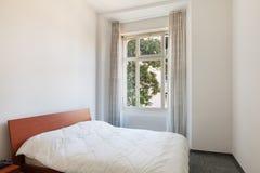 Maison intérieure, chambre à coucher image stock