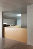 Maison intérieure, mur en béton Photographie stock libre de droits