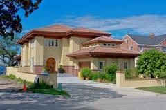 Maison isolée luxueuse Photo stock