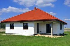 Maison isolée par mousse de styrol Image libre de droits