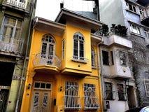 Maison jaune Photo libre de droits