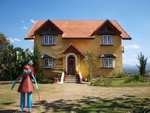 Maison jaune dans Pai, province de Maehongson, Thaïlande images libres de droits