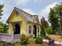 Maison jaune de children's, arborétum de Wilmington Image stock