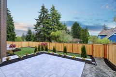 Maison luxueuse de nouvelle construction dans Bellevue, WA Photographie stock