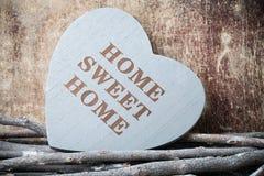 Maison Maison douce Décor intérieur Coeur rustique Images libres de droits