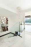 Maison moderne ; escalier Photographie stock libre de droits