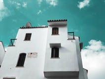 Maison moderne privée sur les rues en Rishon Le Zion, Israël photos stock