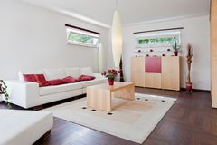 Maison moderne, salle de séjour Photos libres de droits