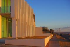 Maison moderne sur la plage de Henley photos stock