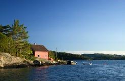 Maison norvégienne de pêcheur Photo stock