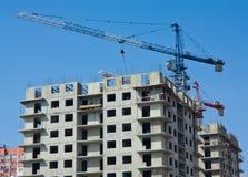 Maison préfabriquée élevée de construction Photo stock