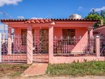 Maison rose Vinales particulier Cuba Photographie stock libre de droits
