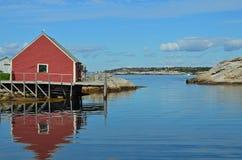 Maison rouge de poissons Images libres de droits