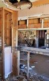 Maison ruinée dans le désert Photographie stock libre de droits