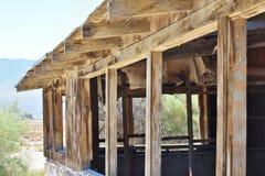 Maison ruinée dans le désert Photographie stock