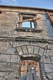 Maison ruinée de ville Image stock