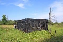 Maison rurale brûlée photo libre de droits
