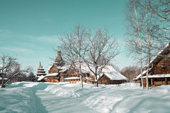 Maison rurale en bois photos stock