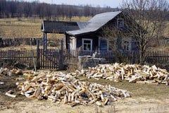 maison russe avec des bois de construction Photos libres de droits