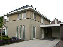 Maison suburbaine moderne Images libres de droits