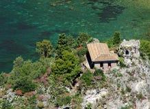Maison sur la belle île Photos libres de droits