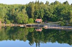 Maison sur le rivage de la mer de Baltik Images stock