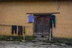 Maison traditionnelle de boue au Vietnam du nord photographie stock