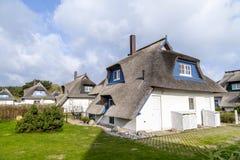 Maison typique de village avec le roseau Photos stock